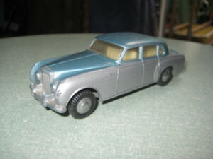 TRI-ANG-SPOT-ON-1-42-SCALE-102-BENTLEY-SALOON-25-00-BUY-IT-NOW