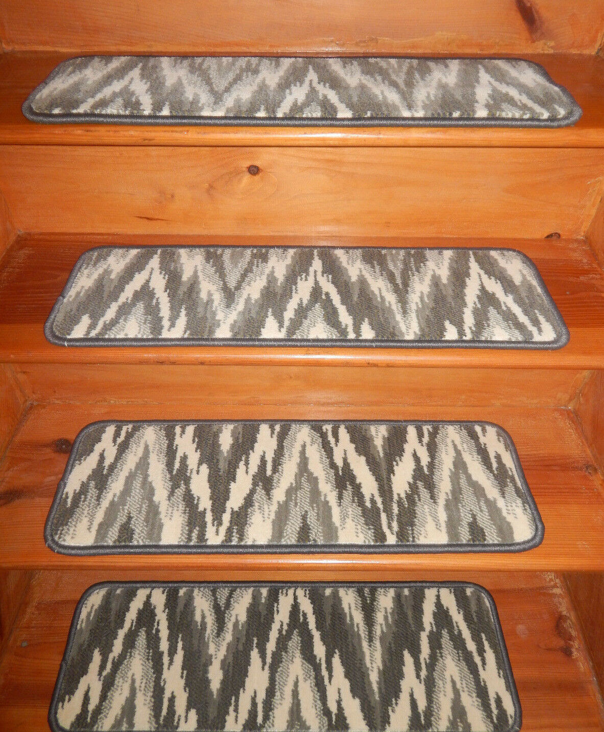 13  Step 9'' x  28'' + Runner  28'' x 77'' Tufted carpet Wool Woven Stair Treads