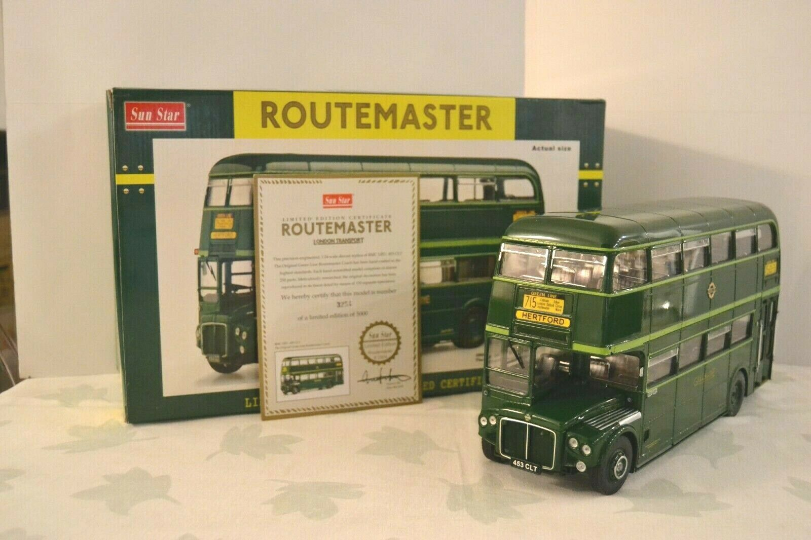 Sun Star 1 24 AEC Routemaster RMC1453-453 CLT 1965 Green Line London Réf. 2904.