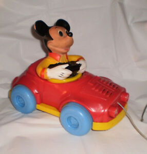 Disney-Mickey-Mouse-Pull-Mee-Car-Konner-Body-Turns-COOL