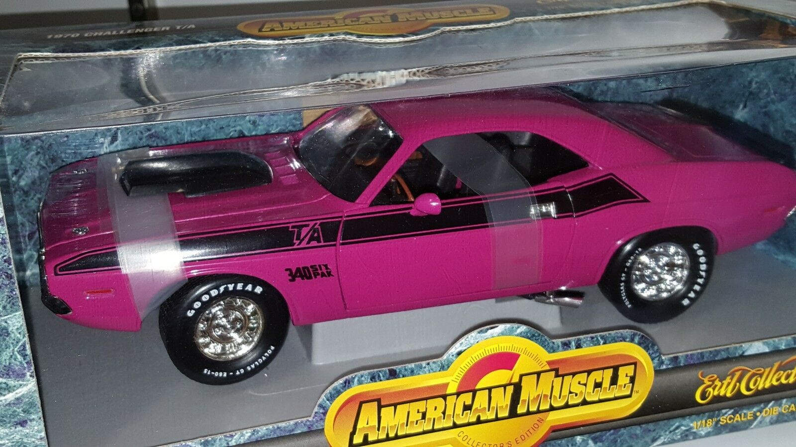 1 18 ERTL American Muscle 1970 DODGE Challenger T A Moulin Rouge Od