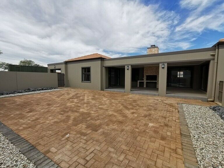 Mount Royal Golf and Country Estate-RXVP-0481