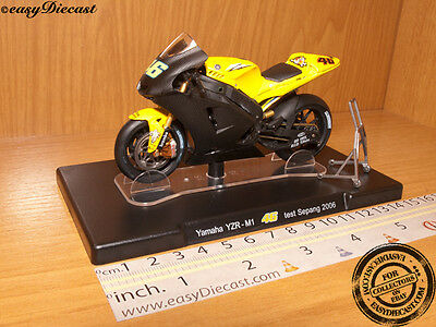 MOTO GP 1//18 YAMAHA YZR-M1 # 46 COLLECTION  ROSSI TEST SEPANG 2006