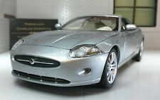 Jaguar XK Coupe Welly 1:24 Scale Diecast Detailed Engine Interior Model 22470