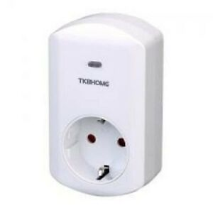 Tkb Home Z Wave Plus Wall Plug With Dimmer Function