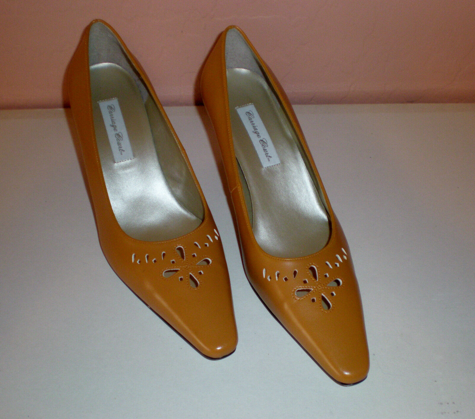 Carriage Court Classic Pumps