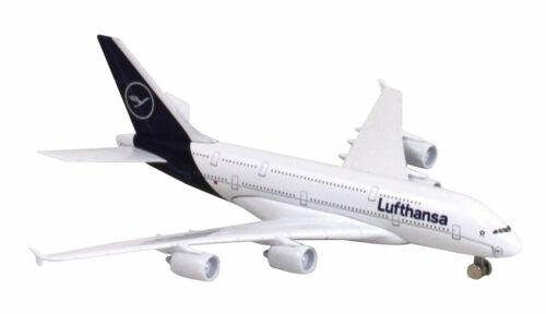 Lufthansa Airbus A380 Spielzeugflugzeug 15cm lang 16cm breit LTDLH005 Limox Toys