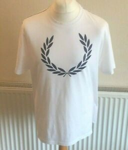 Men-039-s-Fred-Perry-T-Shirt-Size-XL-White-with-Navy-Logo-Crew-Neck-Chest-48-034