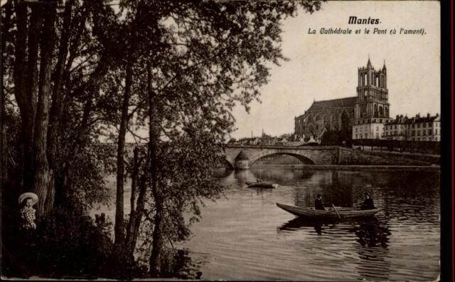 Mantes France CPA ~1910/20 Cathédrale et le Pont Fluss Kathedrale Boote Brücke