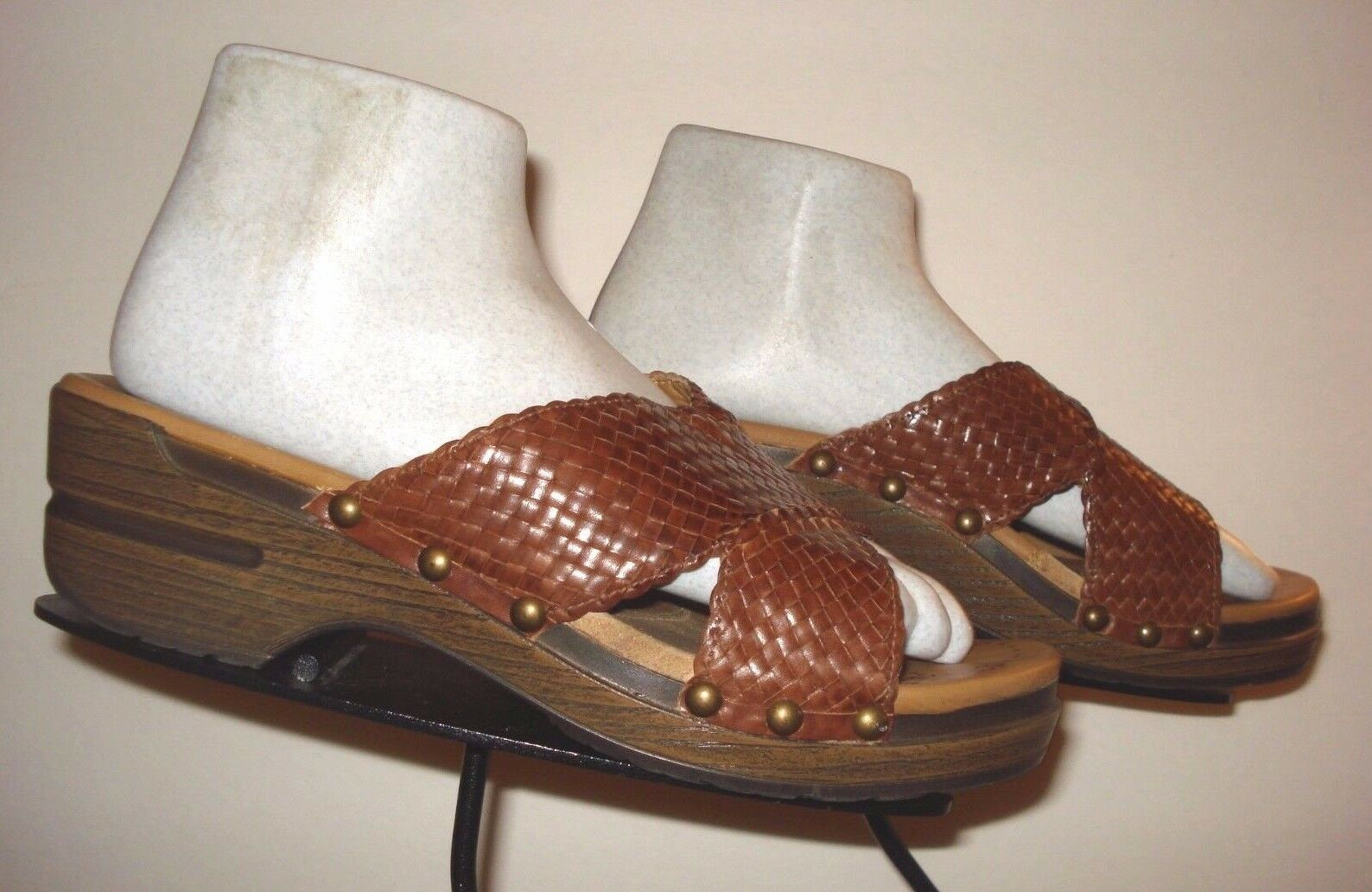 Women's DANSKO Brown Woven Leather Slide Clog Sz. 39 EU 8.5 / 8.5 EU US bba909