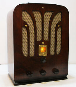 Old-Antique-Wood-General-Electric-Vintage-Tube-Radio-Restored-Working-Tombstone