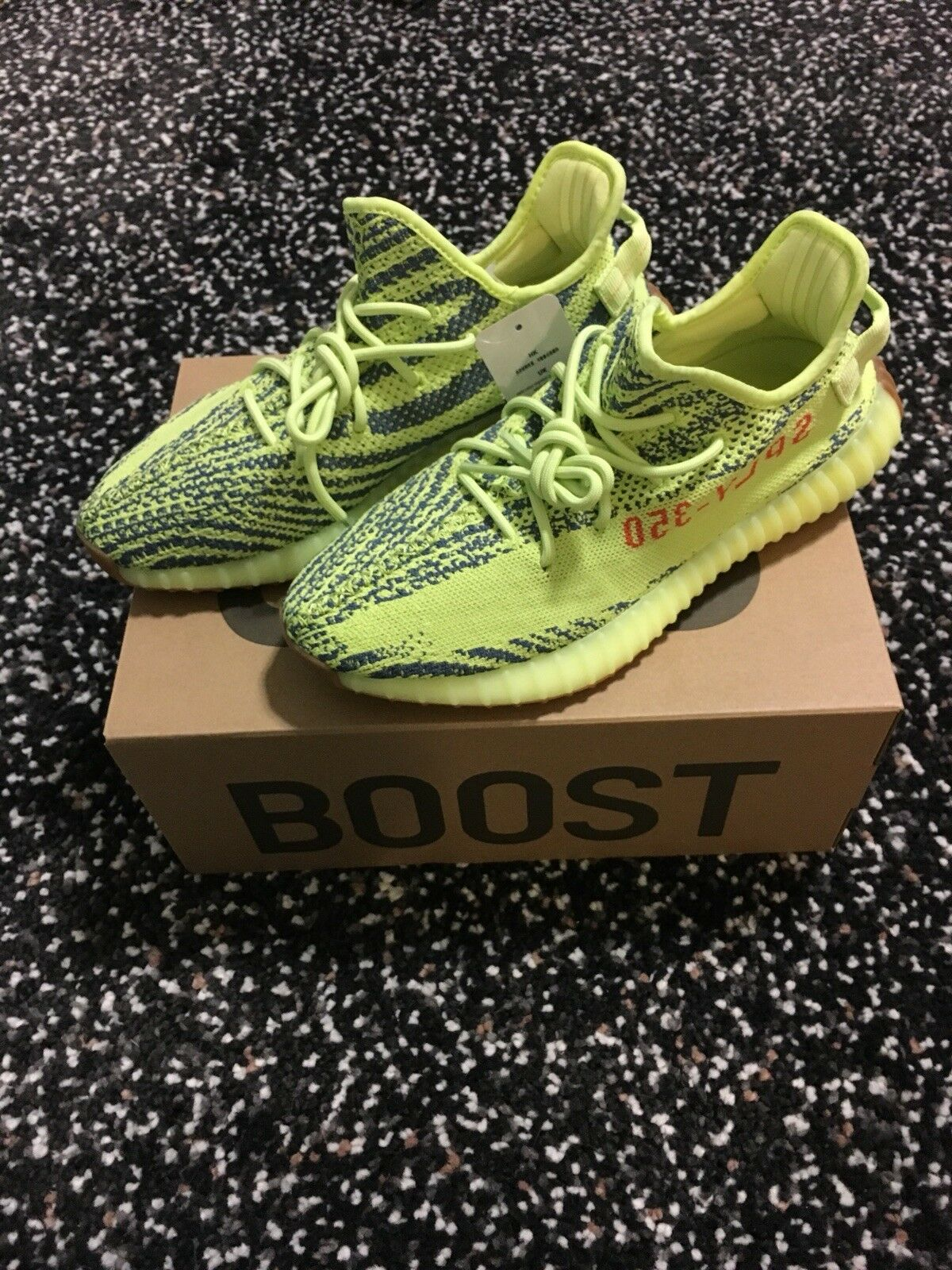 Adidas Yeezy Boost 350 V2 Semi Frozen Yellow MENS SZ 10.5 DS 100% Authentic