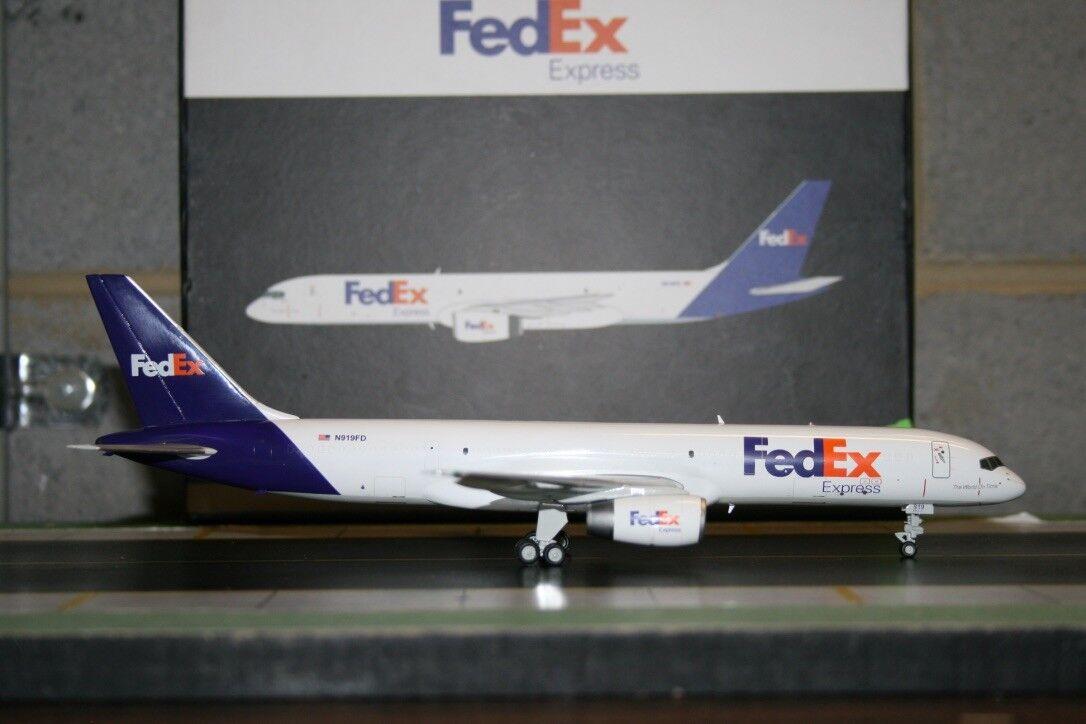Gemini Jets 1 200 FedEx Boeing 757-200F N919FD (G2FDX188) Die-Cast Model Plane