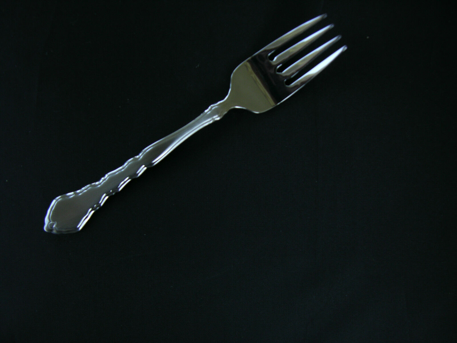 USA SELLER  12  SATINIQUE  SALAD FORKS  ONEIDA NEW 18 8 FREE SHIPPING USA ONLY