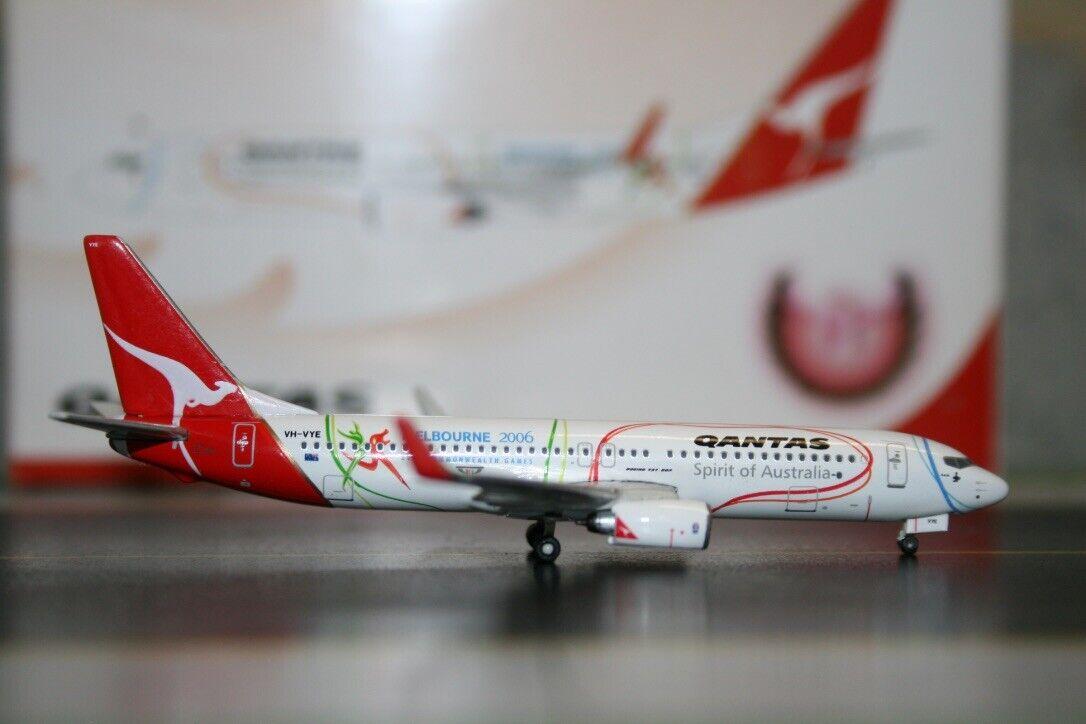 Phoenix 1 400 Qantas Boeing 737-800 VH-VYE Melbourne Commonwealth Games PH10087
