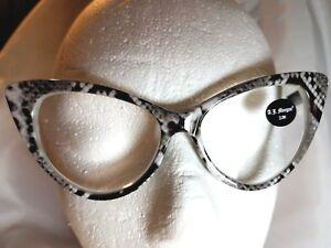 b6704c8a8787 2.75 AJ MORGAN Reading Glasses Snake Whambamboom Oversized Cat eye ...