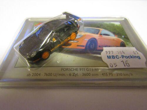 Schuco 1:87 Porsche 911 GT3 RS schwarz auf Metallpostkarte