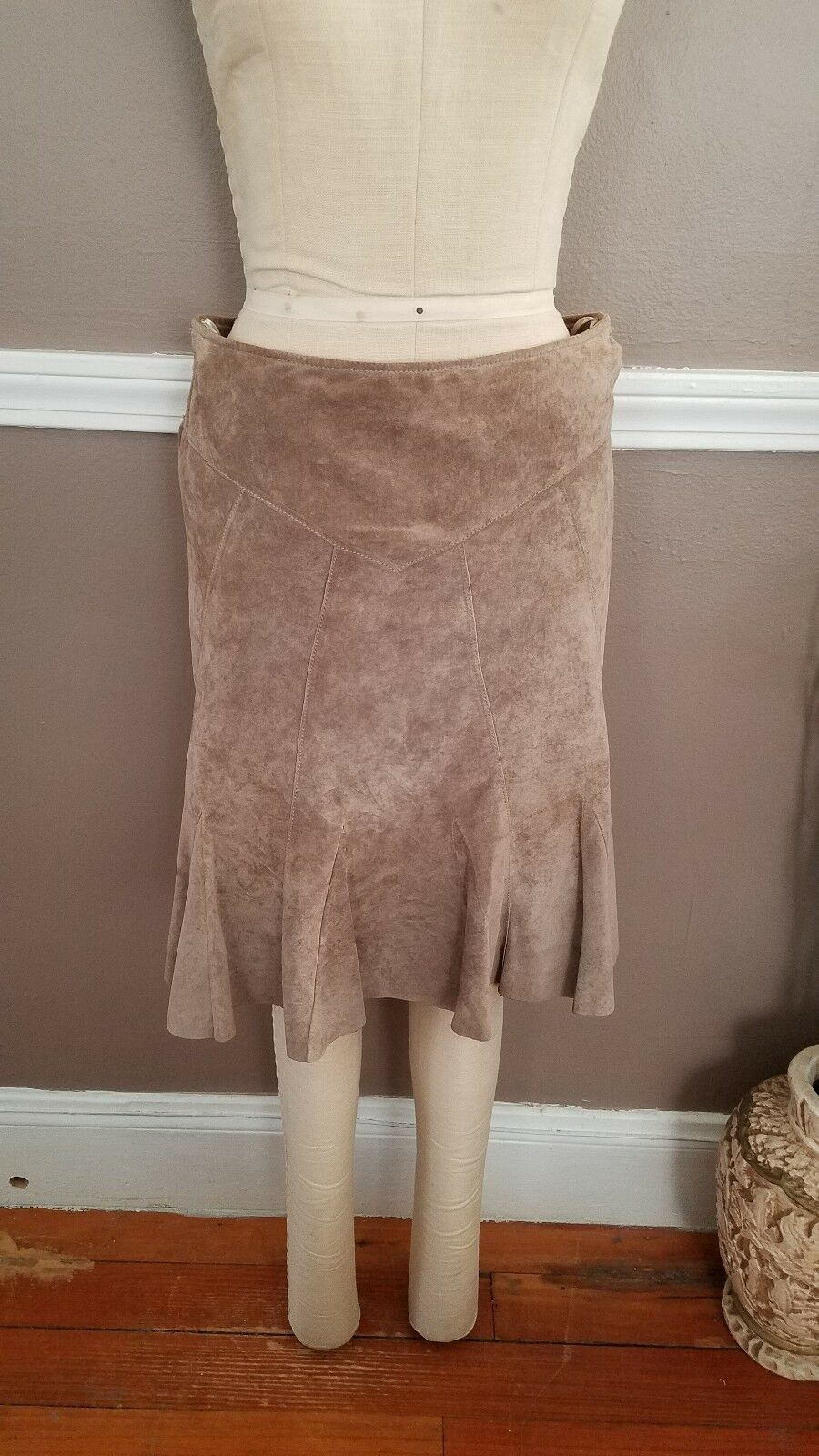 Stunning Tan color 100% Genuine Leather Anthropologie Skirt by June   Size 6