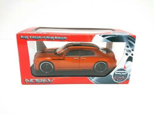 Voiture miniature Chrysler 300C   Echelle 1//32   Norev
