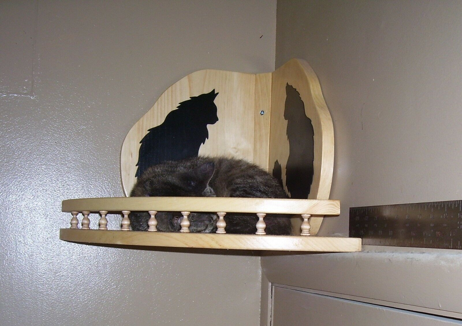 Cat Bed Hanging Wooden Corner Shelf with Gallery Rail Handcrafted Handcrafted Handcrafted Pinewood 6fcefb