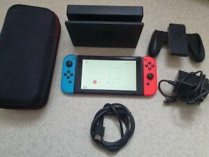 Console Nintendo Switch 32 Go - Bleu et rouge - Non patchée