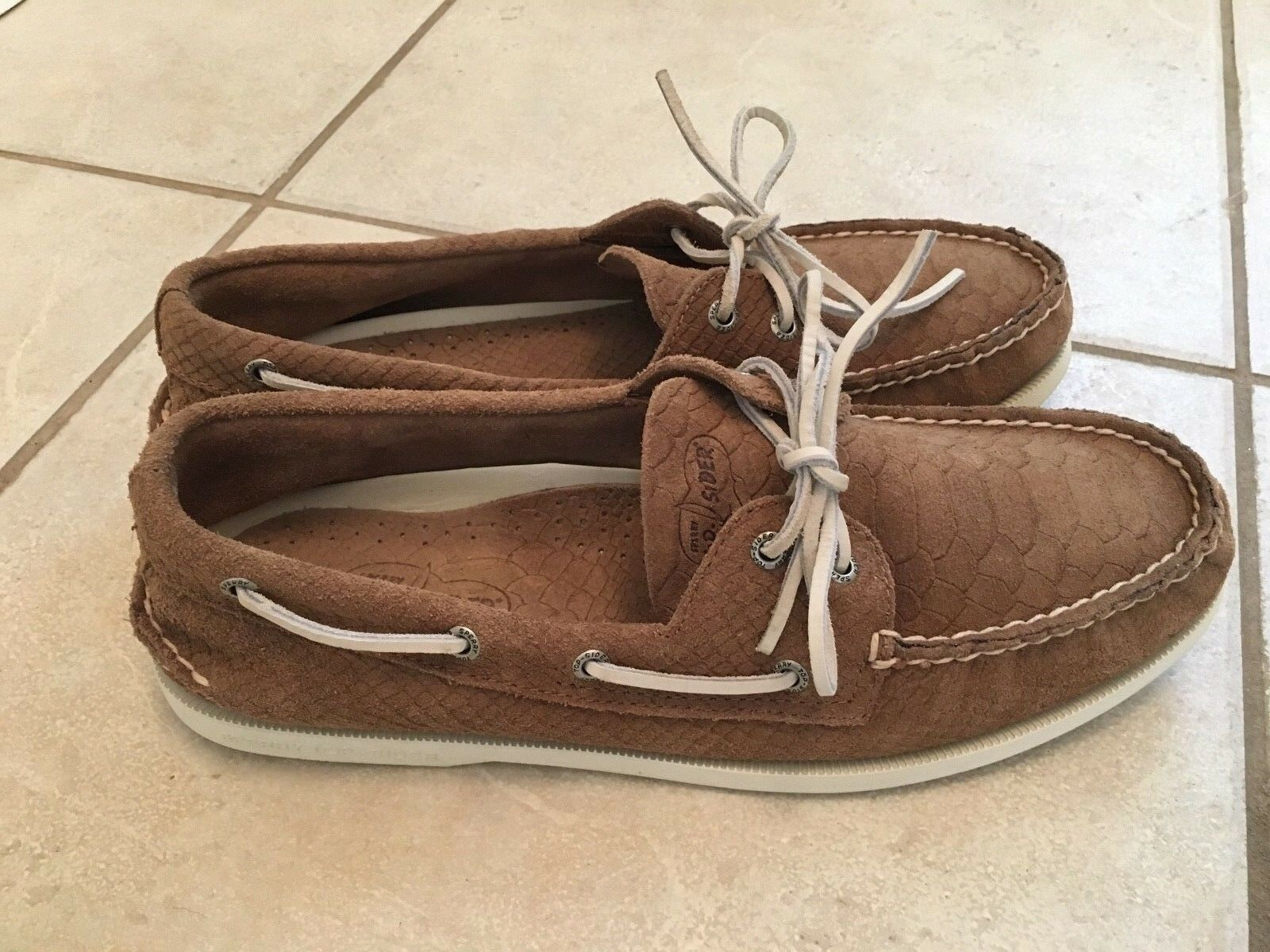 ULTRA RARE Sperry Top Sider Croc/Gator/Snake Skin Tan Suede Outer!! Mens sz 11.5