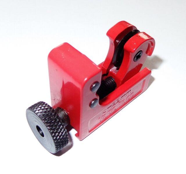 Milwaukee Mini-Rohrabschneider 3-22 mm