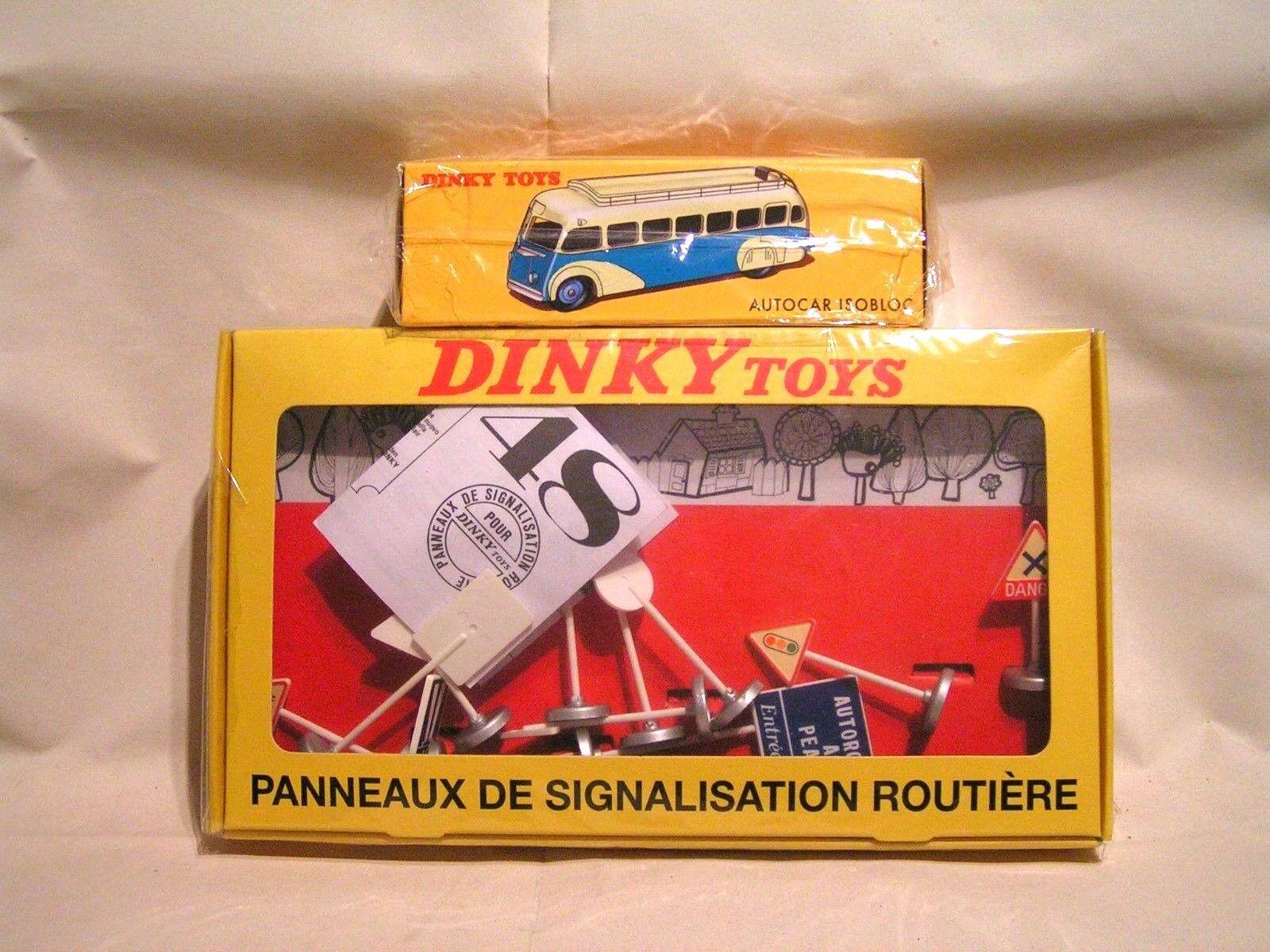 DINKY TOYS   NOREV 1 43  -  LOT 1  =  CAR ISOBLOC ET UN JEU DE PANNEAUX ROUTIERS
