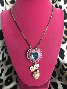 Betsey-Johnson-Candyland-Candy-Lucite-Pink-Puffy-Heart-Sprinkles-Necklace-HUG-ME