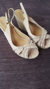 Ladies-High-Wedge-Sandals-size-5-by-aldo