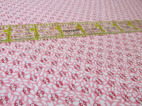RJR reproduction cotton fabric PINK micro print Lowell New England Museum BTHY