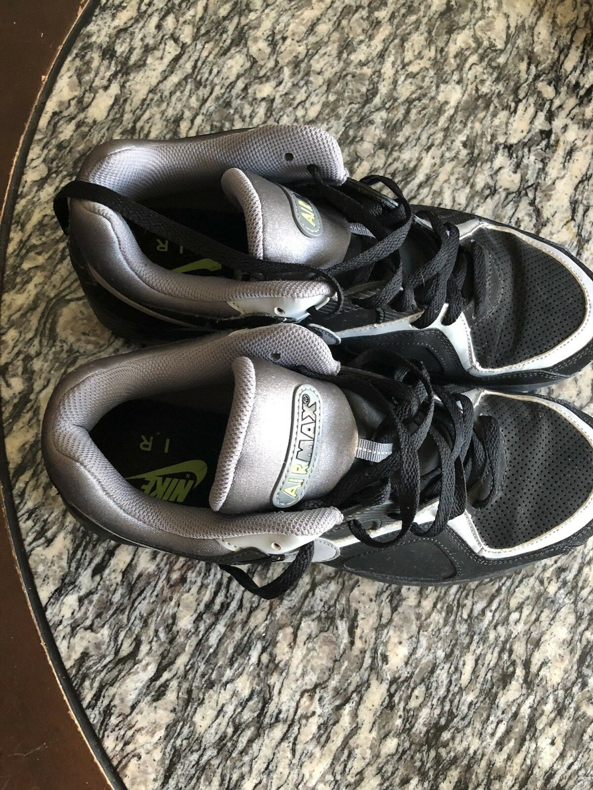 Men's Nike Air Max Go Strong Essential Black/Gray Shoes size 11 WORN ONCE