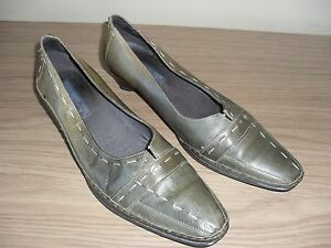 Ladies Pikolinos Off Green Slip on Shoes. EU 42 UK 9.5  Super Condition.