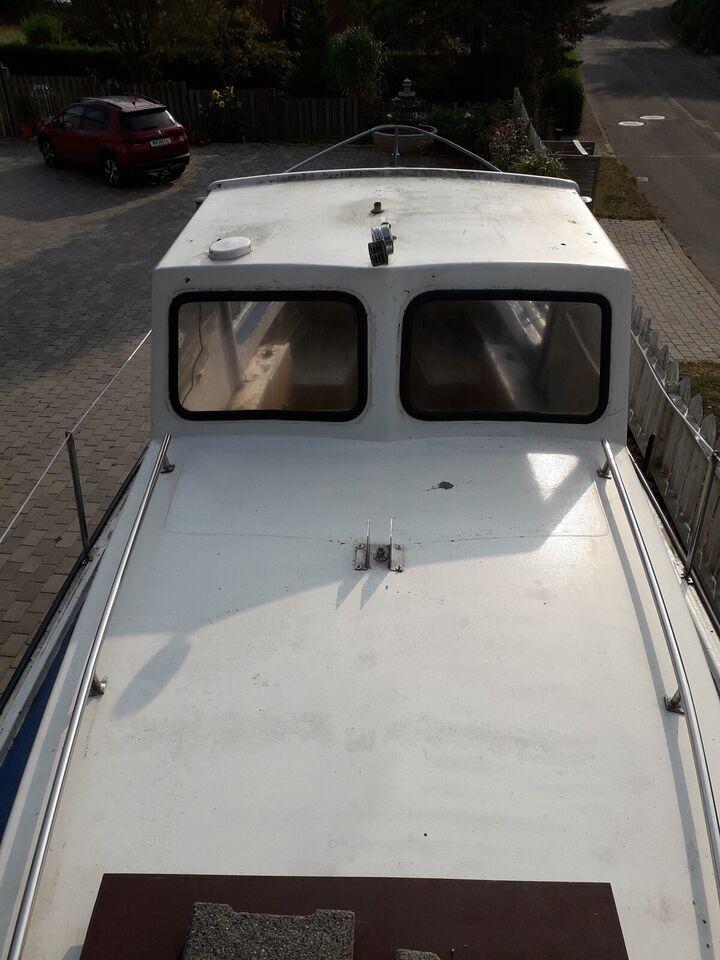 23 fod kabinebåd med ny serviceret 23 hk motor