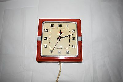 """VINTAGE 1940""""S TELECHRON RED KITCHEN ELECTRIC WALL CLOCK MODEL 2H11  (WORKS"""
