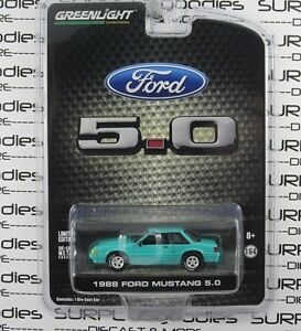 Greenlight-1-64-LBE-Exclusive-R3-1988-FORD-MUSTANG-LX-5-0-Notchback-CalypsoGreen