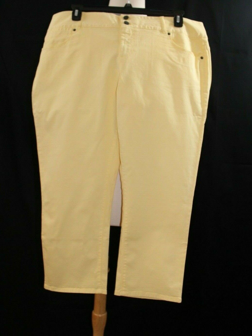 Talbots Women's Capri Pants  -  NWT -  Size 20 - Freesia Yellow -  SPY