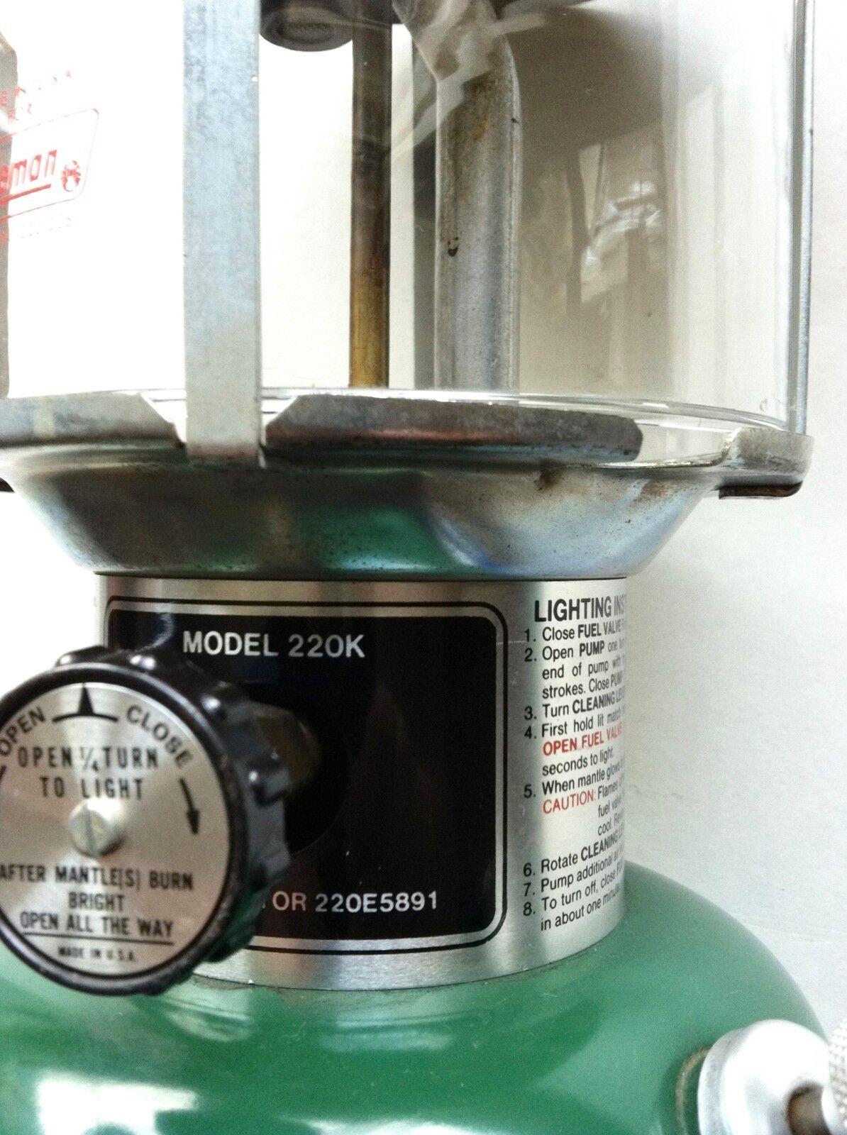 Vintage 1982 Coleman 220K Lantern All Original Quality NICE