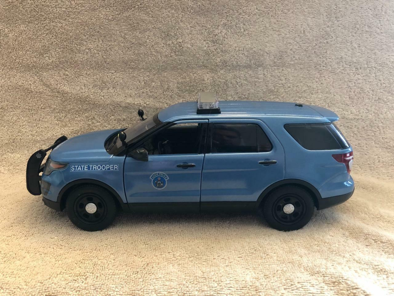 1 18 SCALE MAINE STATE POLICE  FD SUV UNIT MODEL WITH WORKING LIGHTS AND SIREN