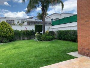 Casa en Renta en Zavaleta con amplio jardín!