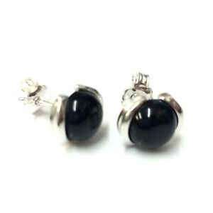Round-Whitby-Jet-in-925-Sterling-Silver-Studs-8x8