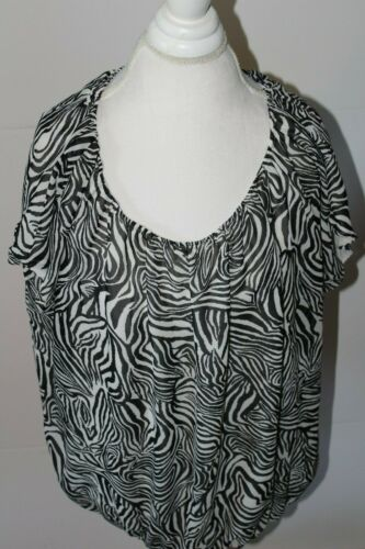 Vince Camuto Size 2X Short Sleeve Shirt Black and
