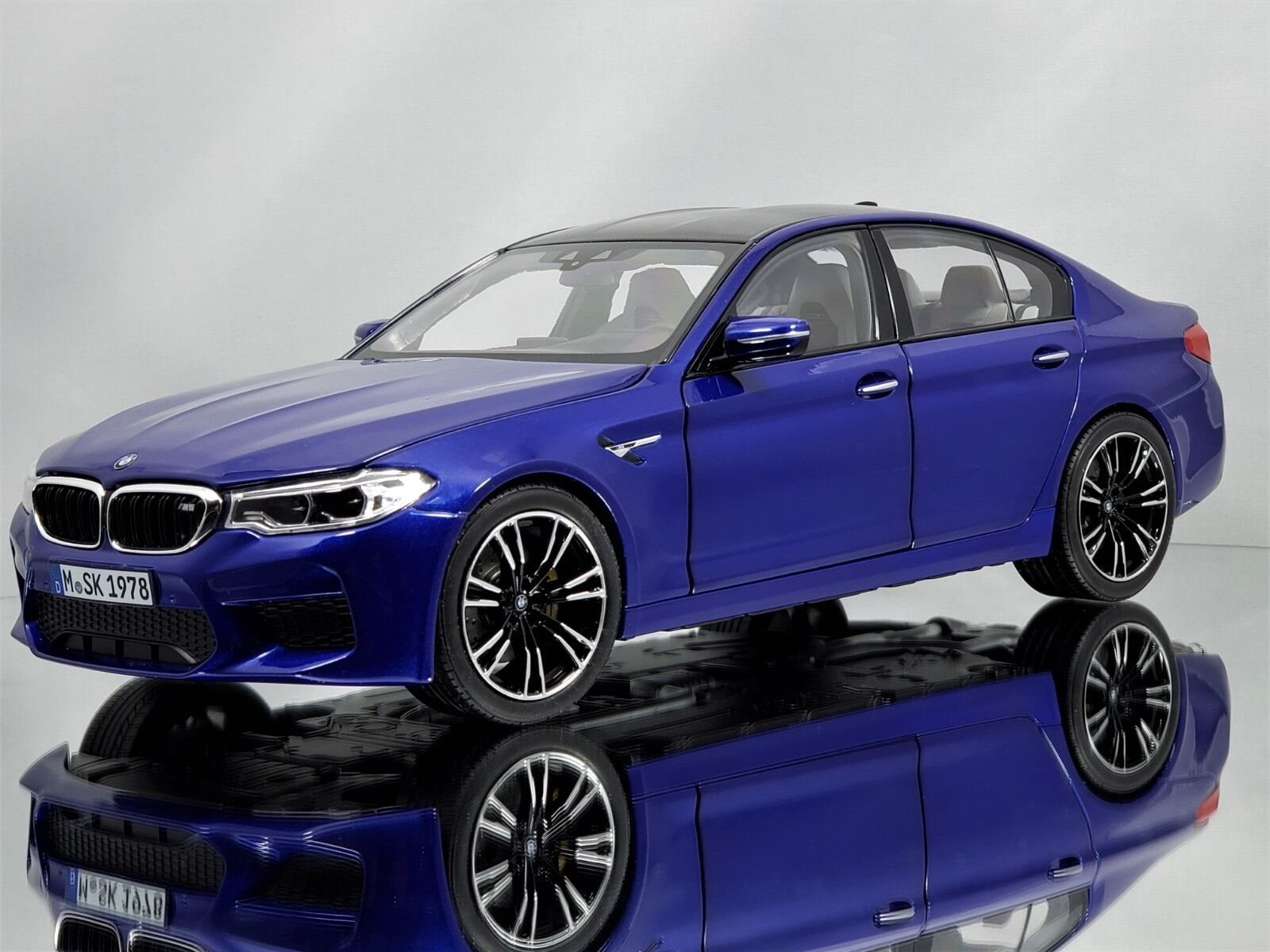 NOREV BMW M5 (F90) Série 5 Berline 2018 Marina Bay bleu Diecast Voiture Modèle 1 18