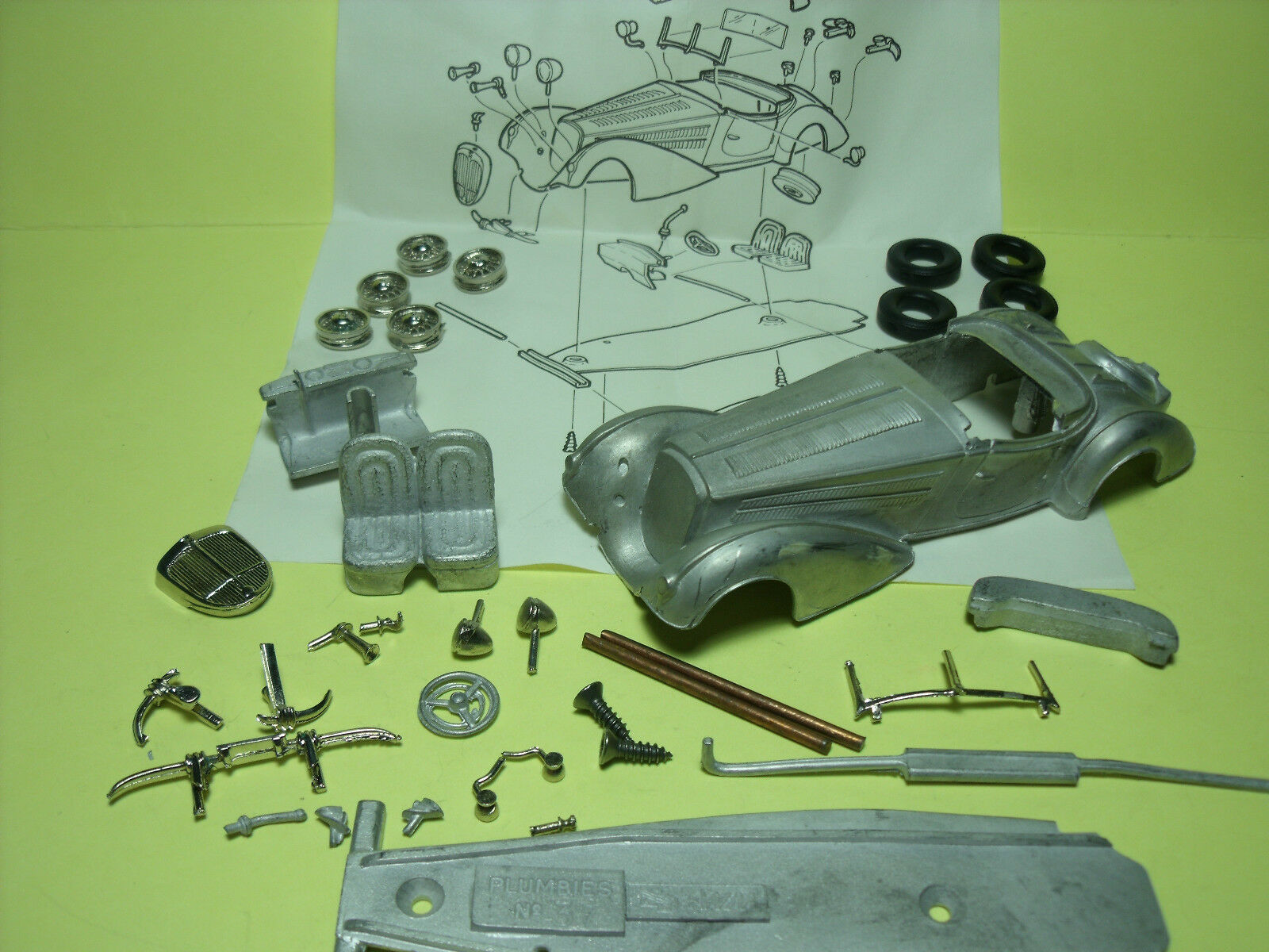 HORCH   855  ROADSTER  1939   KIT  PLUMBIES  1 43   NO  MCM