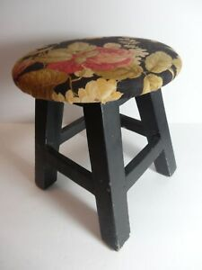 Vintage-Small-Shabby-Wood-Foot-Stool-Floral-Round-Top-Painted-Black-Legs
