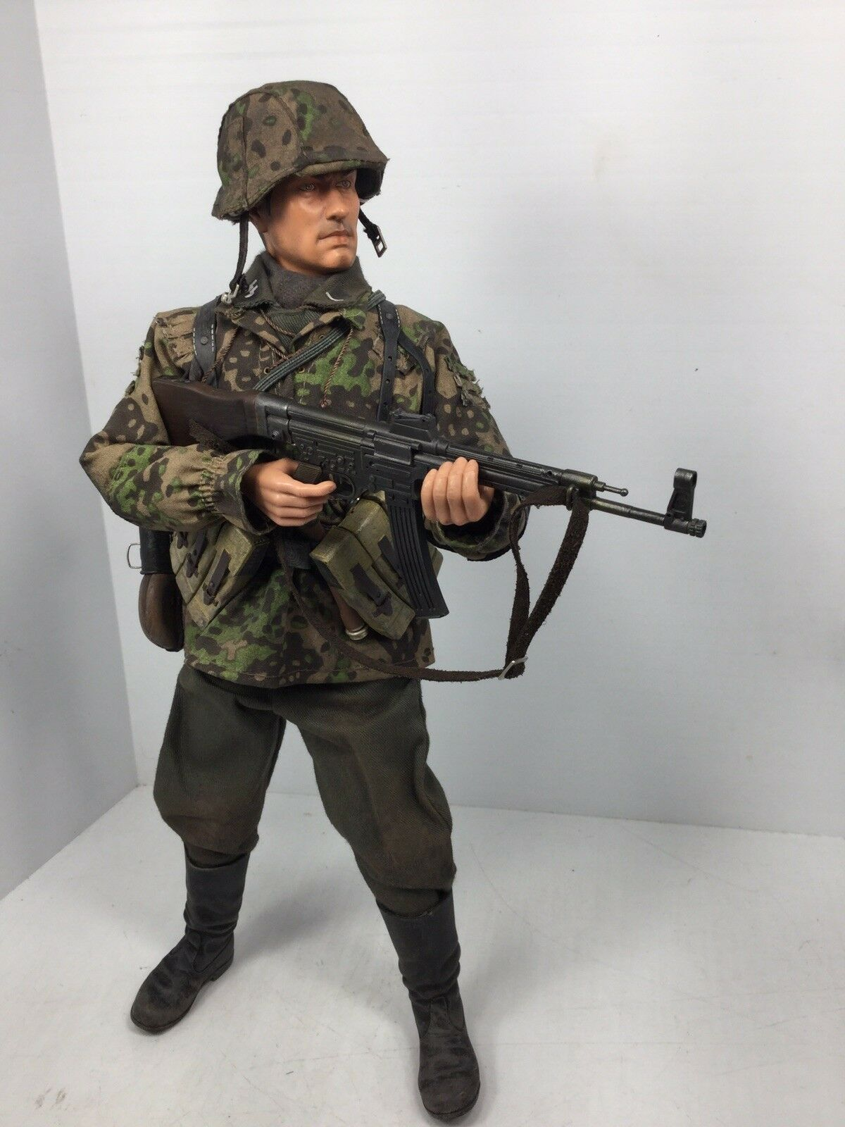 "1 6 DRAGON 2ND SS ""DASREICH"" DIV GRENADIER MP-44 CAMO WW2 BBI DID 21st CENTURY"