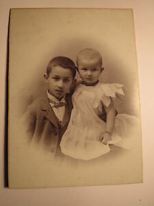 Kaposvarott-Kaposvar-2-Kinder-Junge-und-Baby-Portrait-KAB-Ungarn