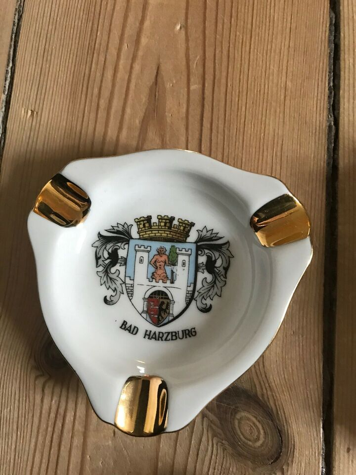 Porcelæn, Askebæger
