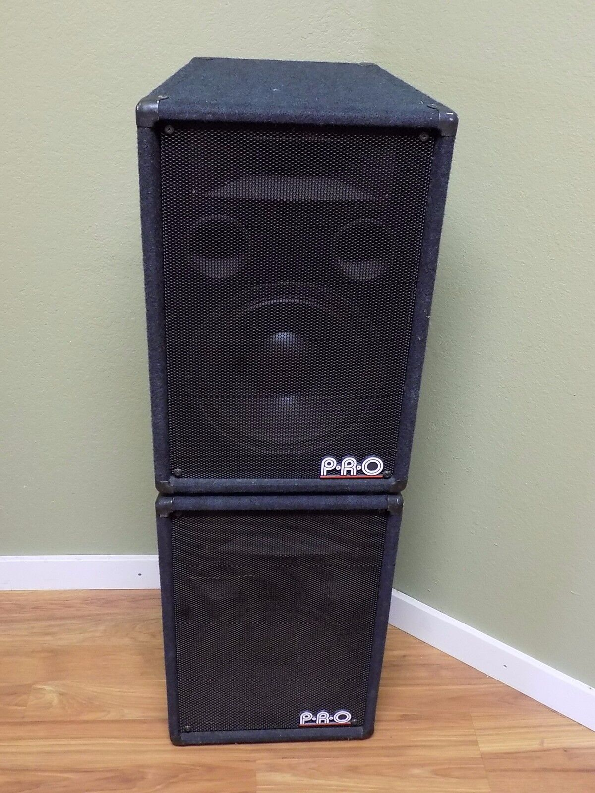 Used P.R.O. T-12H Passive Speaker Pair