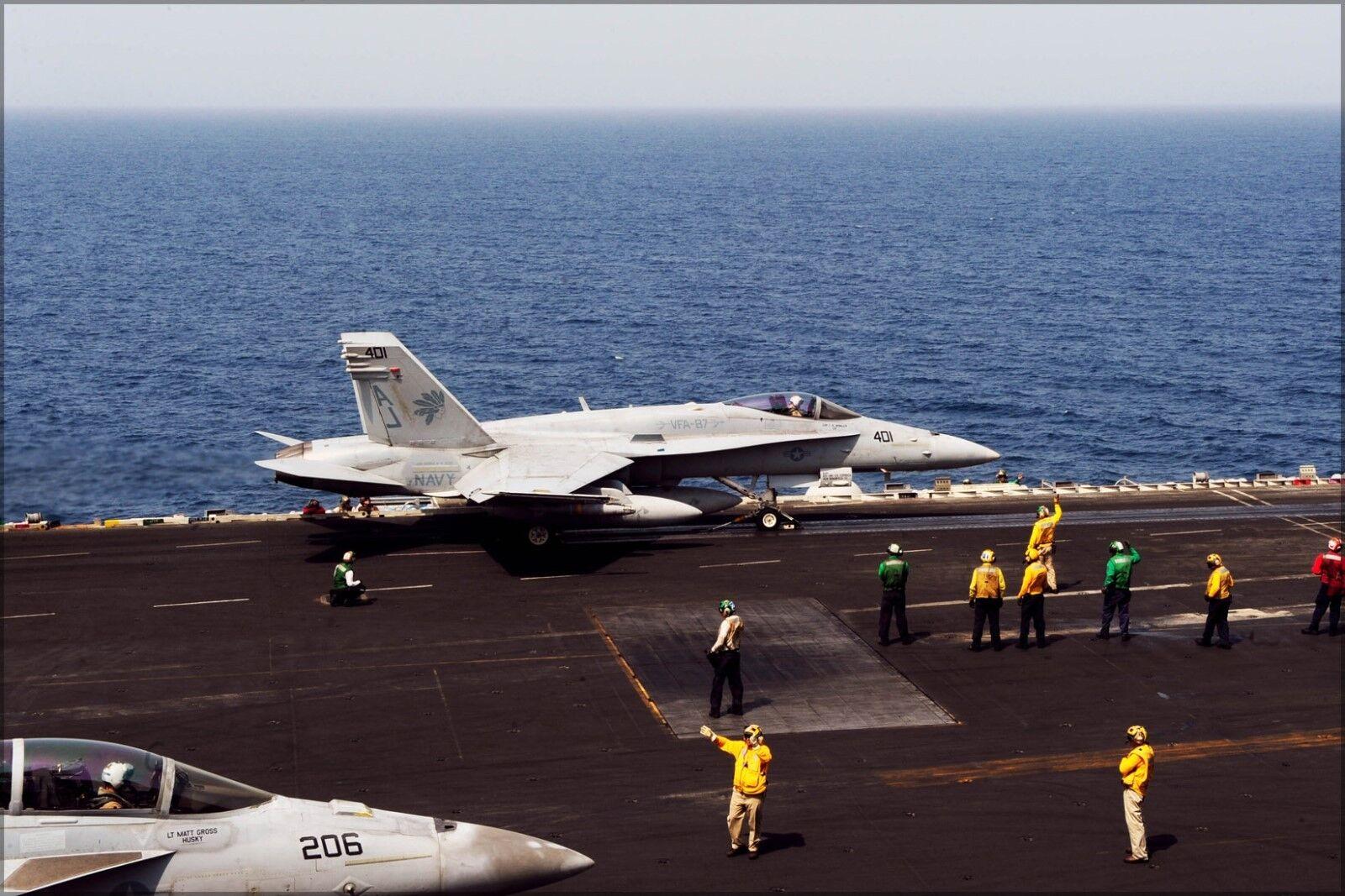 Poster, Molte Misure; Misure; Misure; Fa-18c Hornet F-18 Vfa-87 Dorato Warriors Uss George H. W. 75c6f1